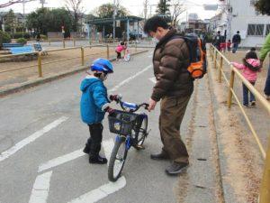 自転車乗り方教える父